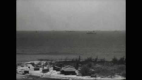 Die-Nachwirkungen-Der-Bombardierung-Von-Pearl-Harbor-Als-Schiffe-Nachgeliefert-Werden-Und-Zurück-In-Die-Schlacht-Ziehen