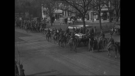 El-Cuerpo-De-Alexander-Graham-Bell-Es-Transportado-Por-Las-Calles-De-Washington-Dc-En-1922