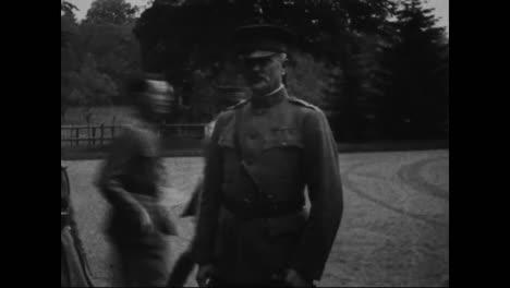 Tumba-De-Lafayettes-En-El-Cementerio-De-Picpus-Francia-Durante-La-Primera-Guerra-Mundial-La-Guerra-De-Trincheras-En-Francia