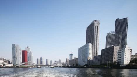 Tokyo-River-01