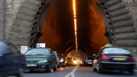 Tunnel-Cars-0-0