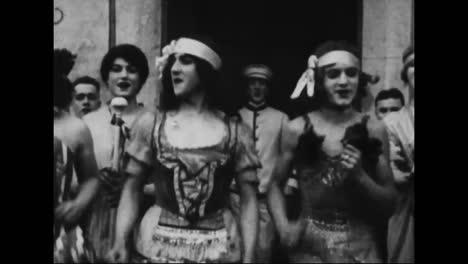 Men-Dressed-As-Women-Entertain-The-Troops-In-World-War-One