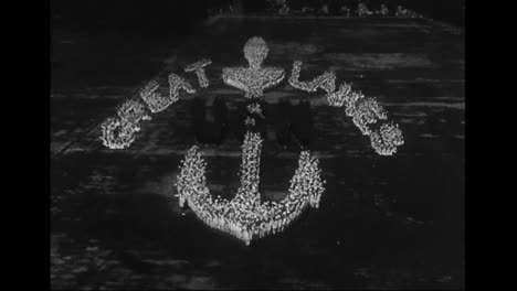 American-Troops-Spell-Out-Patriotic-Words-From-High-Above-In-The-1940S-1