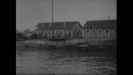 American-Submarine-In-1918-Prepares-To-Enter-World-War-One