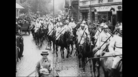 Captured-German-War-Film-From-World-War-One-Shows-Cavalry-Heading-For-The-Front-Ines-Of-The-War