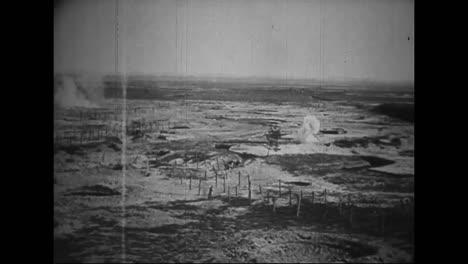 La-Película-De-Guerra-Alemana-Capturada-De-La-Primera-Guerra-Mundial-Muestra-A-Las-Tropas-Francesas-Y-Alemanas-Luchando-En-Un-Campo-De-Batalla-En-1916-1