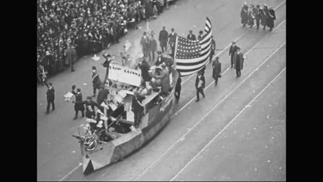 Detroit-Hosts-A-Massive-Parade-For-Soldiers-Leaving-To-Fight-In-World-War-One-In-1918