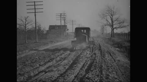 Roads-Are-In-Terrible-Condition-In-1917-In-America