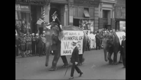 Patriotic-Parades-Issue-In-World-War-One-In-America-5