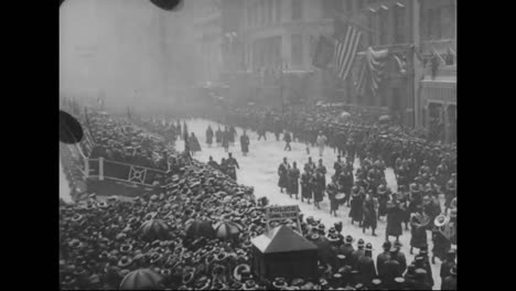 Huge-Parades-Of-Soldiers-In-American-Cities-Prior-To-World-War-One
