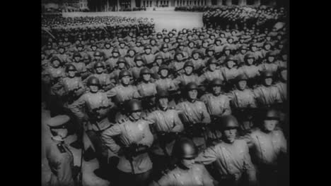 Russian-Troops-March-In-Formation-During-World-War-Two