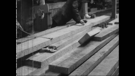 Holz-Wird-Zum-Sägewerk-Transportiert-Um-Dort-Geschnitten-Und-1917-In-Flugzeugen-Verarbeitet-Zu-Werden