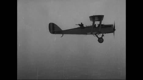 Airplanes-Are-Built-In-A-Factory-In-1917-And-Then-Tested-In-Flight