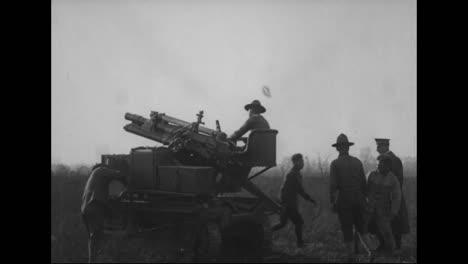 Los-Cañones-Y-La-Artillería-Se-Prueban-Y-Se-Preparan-Para-La-Batalla-En-La-Primera-Guerra-Mundial-2