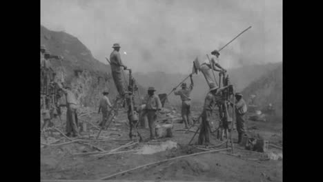 Scenes-From-The-Construction-Of-The-Panama-Canal-In-1913-And-1914-4