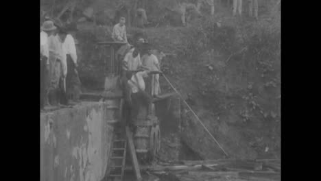 Scenes-From-The-Construction-Of-The-Panama-Canal-In-1913-And-1914-9
