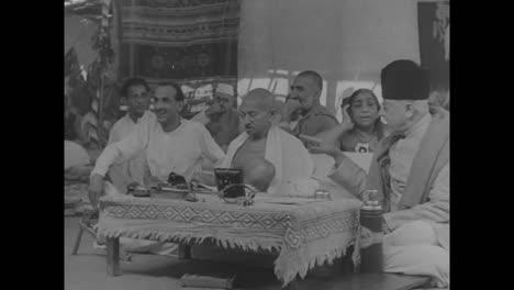 Los-Musulmanes-Rezan-En-La-Mezquita-De-Jama-Masjod-En-Delhi-India-En-1948