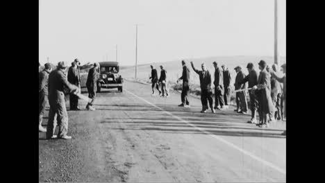 Iowa-Farmers-Arm-Themselves-To-Oppose-An-Agriculture-Strike-In-1933