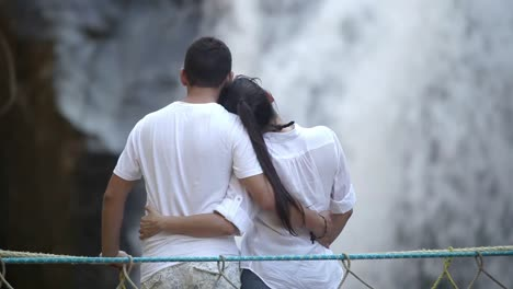 Waterfall-Couple-03