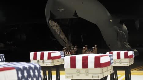 Die-Verteidigungs-pow/mia-buchhaltungsagentur-Nimmt-An-Einer-Rückführungszeremonie-Der-überreste-Teil-Von-Denen-Angenommen-Wird-Dass-Sie-Von-Uns-Service-mitgliedern-Aus-Der-Schlacht-Von-Tarawa-Im-Zweiten-Weltkrieg-Am-17-Juli-2019-Stammen