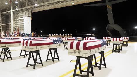 US-Soldaten-Mit-Der-Verteidigungs-Pow/Mia-Buchhaltungsagentur-Nehmen-An-Einer-Rückführungszeremonie-Der-Überreste-Teil-Von-Denen-Angenommen-Wird-Dass-Sie-Von-Uns-Service-Mitgliedern-Aus-Der-Schlacht-Von-Tarawa-Am-17-Juli-2019-Stammen