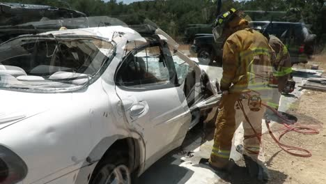 Fort-Hunter-Liggett-Fire-Department-Train-Us-Army-Reserve-12M-Army-Firefighters-In-Methods-Of-Extricating-Victims-From-A-Vehicle-Involved-In-A-Crash-Using-The-Jaws-Of-Life-Cutter-2019