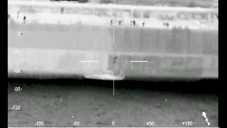 Imágenes-De-Visión-Nocturna-De-Una-Estación-Aérea-Cape-Cod-HC144-La-Tripulación-Respondió-Al-Rescate-De-Un-Hombre-De-63-Años-Después-De-Que-Su-Velero-Perdiera-Energía-Sin-Desanimarse-Aproximadamente-500-Nm-Se-De-Nantucket