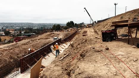 San-Diego-Primary-Border-Barrier-Construction-With-Secondary-Barrier-On-The-Right-2019