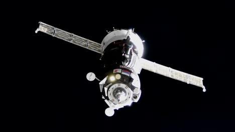 Expedición-5253-Cuando-Se-Acerca-A-Atracar-La-Estación-Espacial-2017