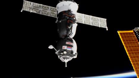 Expedición-5253-A-Atraca-Con-La-Estación-Espacial-2017