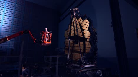 An-Engineer-Examines-The-James-Webb-Telescope-During-Construction-2016