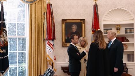El-Presidente-Donald-Trump-Y-La-Primera-Dama-Melania-Trump-Muestran-El-Presidente-Francés-Emmanuel-Macron-Y-Su-Esposa-Brigitte-Macron-En-La-Casa-Blanca