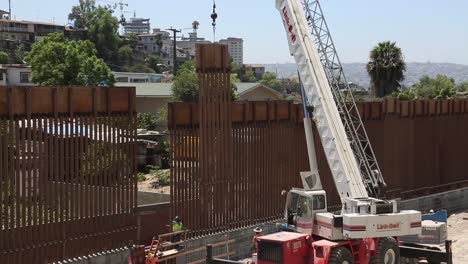 Us-Army-Engineers-Install-The-Final-Section-Of-The-San-Diego-Border-Wall-1