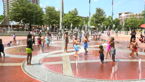 Kids-play-in-the-fountains-at-Centennial-Olympic-Park-in-Atlanta-Georgia-1