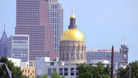 The-Georgia-State-Capitol-building-with-the-Atlanta-skyline-background