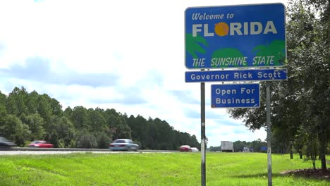 A-highway-sign-welcomes-visitors-to-Florida