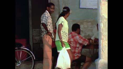Straßenszenen-Aus-Kuba-In-Den-1980er-Jahren-8