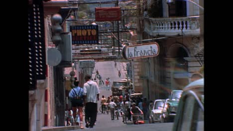Historic-street-scenes-from-Cuba-in-the-1980s-18
