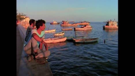 Straßenszenen-Aus-Kuba-In-Den-1980er-Jahren-14