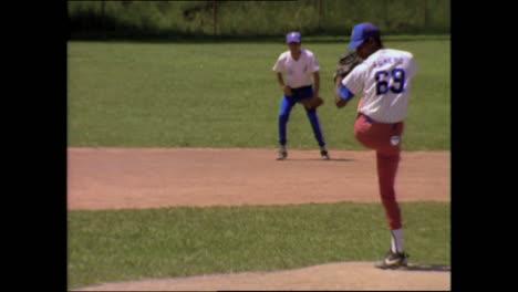 Verschiedene-Szenen-In-Und-Um-Havanna-Kuba-1980er-Inklusive-Baseballspiel