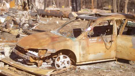 Establishing-shots-of-the-destruction-of-Paradise-California-following-the-Camp-Fire