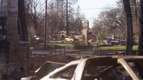 Establishing-shots-of-the-destruction-of-Paradise-California-following-the-Camp-Fire-4