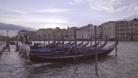 Nice-Establishing-Shot-Of-Venice-Italy-With-Canals-And-Gondolas