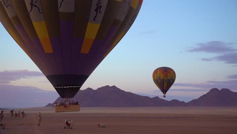 Hot-Air-Balloons-Launch-In-The-Namib-Desert-In-Namibia
