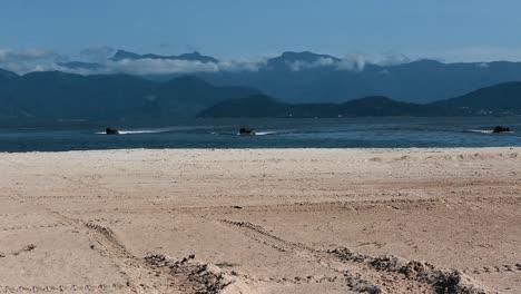 Brazilian-And-Us-Marines-Conduct-Training-Exercises-On-Amphibious-Assault-Vehicles