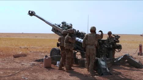 As-Part-Of-Operation-Inherent-Resolve-American-Artillerymen-Stationed-In-Iraq-Fire-On-Enemy-Positions-1