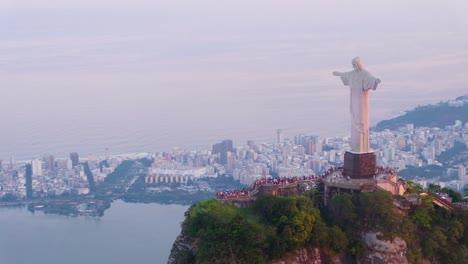 Luftaufnahme-Um-Die-Christusstatue-In-Rio-De-Janiero-Brasilien-Bra