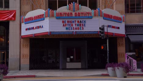 Closed-Theater-Marquee-Says-It-Will-Be-Back-During-Covid19-Corona-Virus-Outbreak-Epidemic