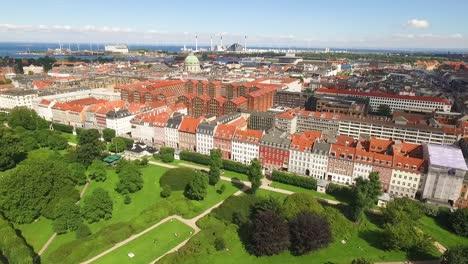 Una-Vista-Aérea-Muestra-La-Iglesia-De-Frederik-En-Copenhague-Dinamarca