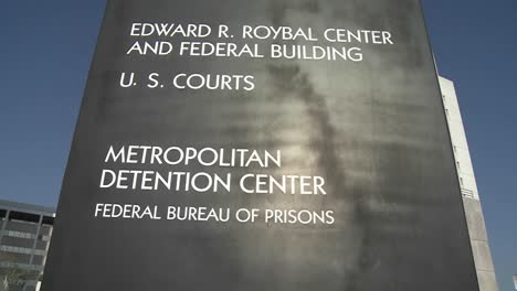 The-Federal-Detention-Center-in-Los-Angeles